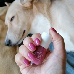 NOTD 9 januari 2021: girlstalk at the fireplace (Essence)